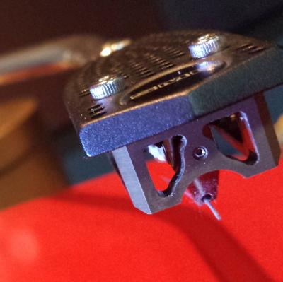 Audio MusiKraft Magnesium Phono Cartridge on SME 3012 eadshell and Garrard 301 Turntable